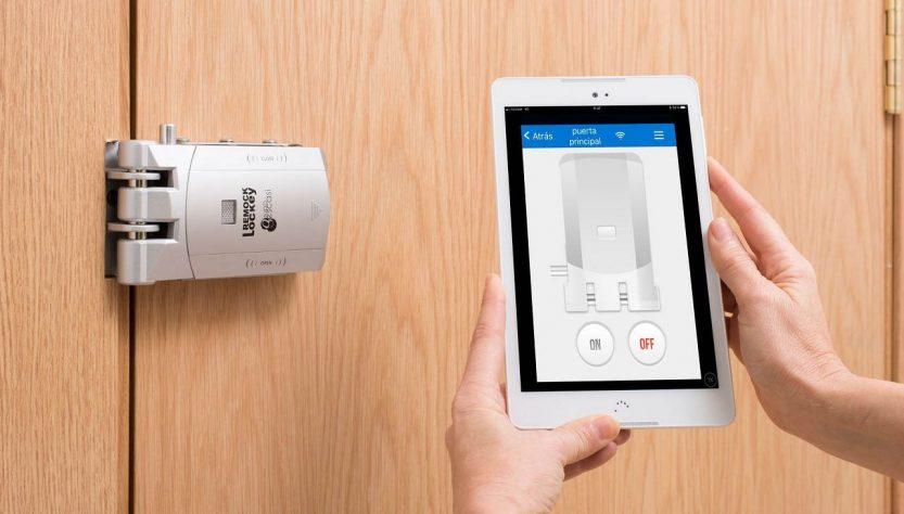 Cerradura invisible económica con tecnología inteligente para protección del hogar